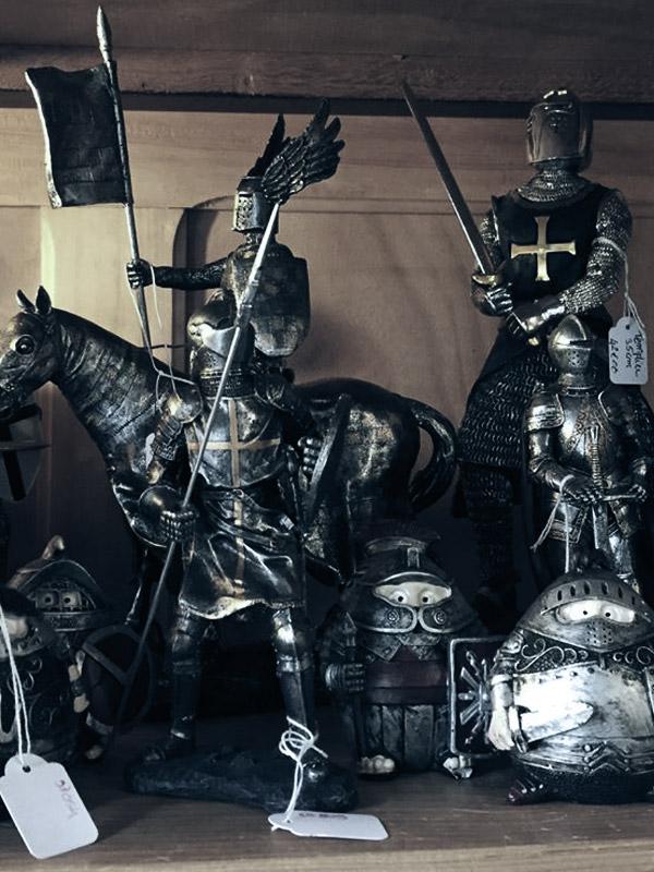 la vieille échoppe : boutique médiévale à Charlieu