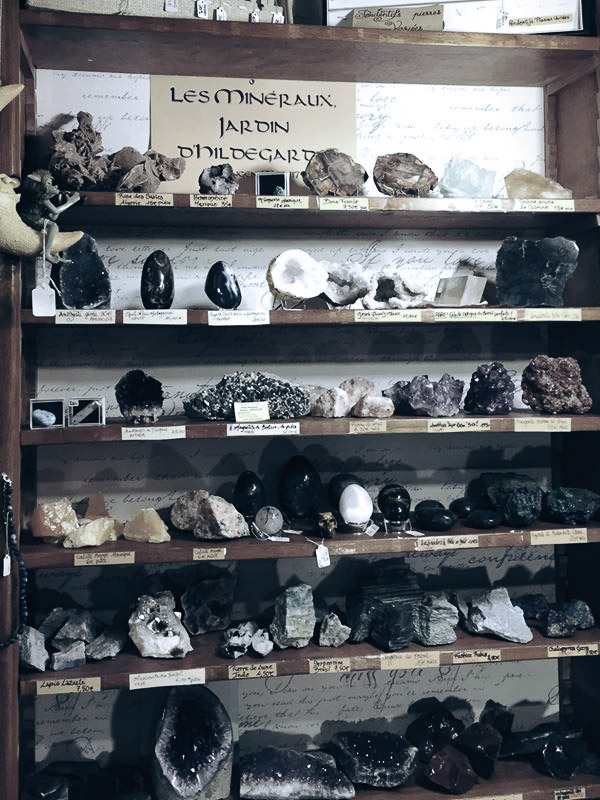 Une sélection de minéraux dans notre boutique